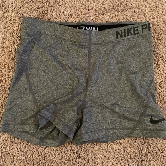 Nike Pants - Nike spandex shorts